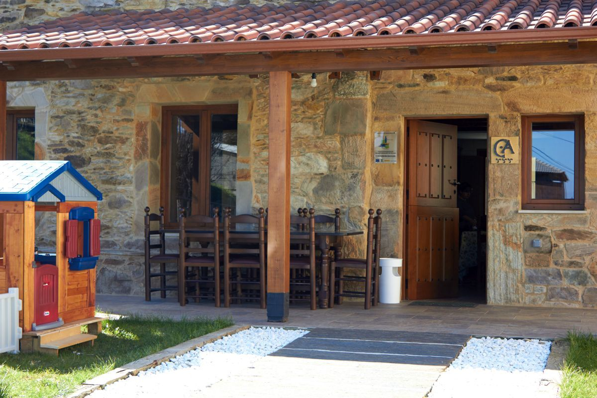 Mesas para porches architizer en ste porche est la for Mesa porche